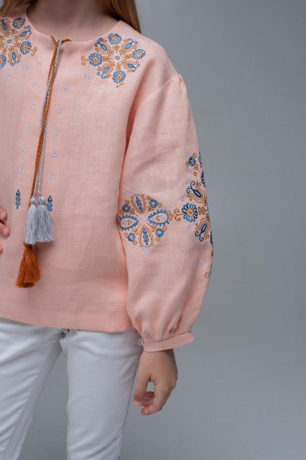 Вишита блуза для дівчинки Pink1
