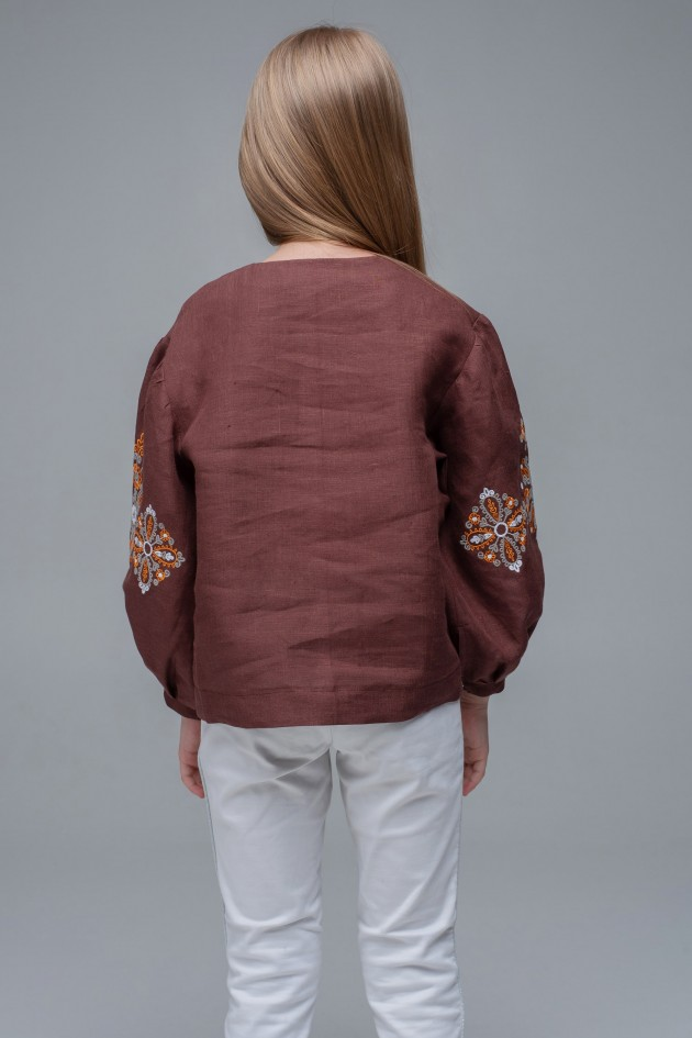 Вишита блуза для дівчинки Brown1