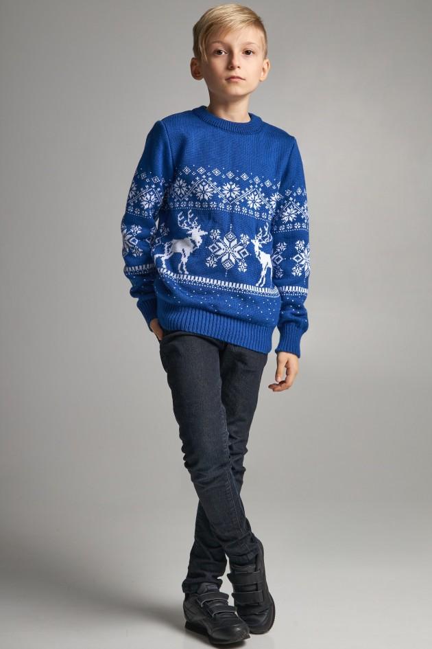 В'язаний светр для хлопчика Сніжинки з оленями синій