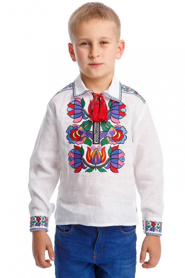 Белая вышитая рубашка вышиванка для мальчика