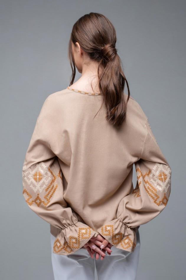 Жіноча вишиванка Beige