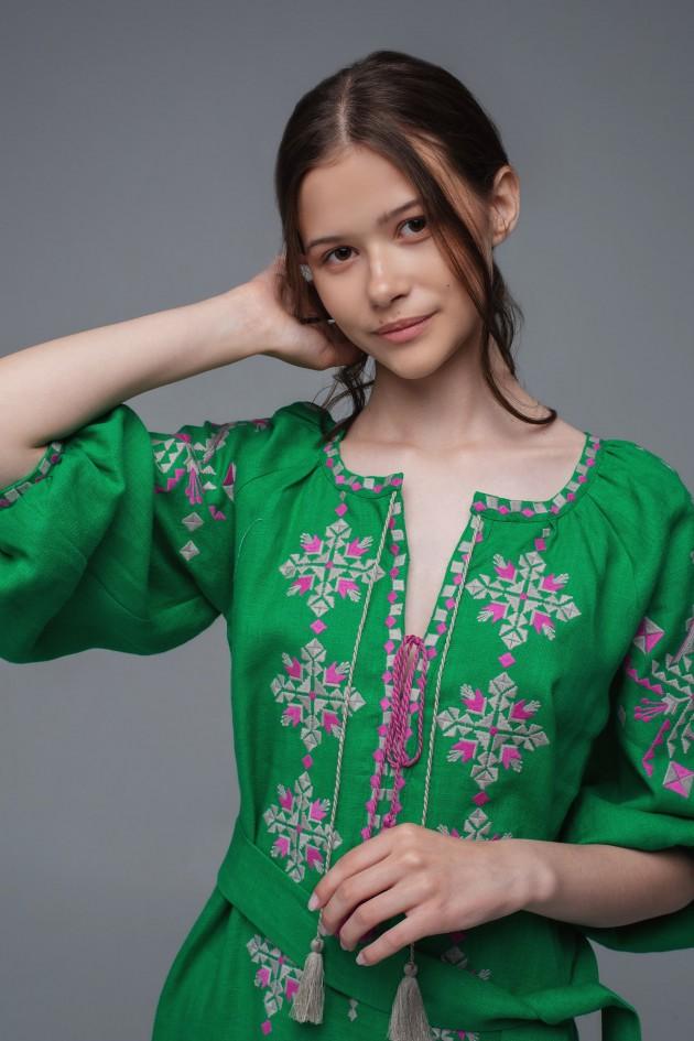 Жіноча вишита сукня Green