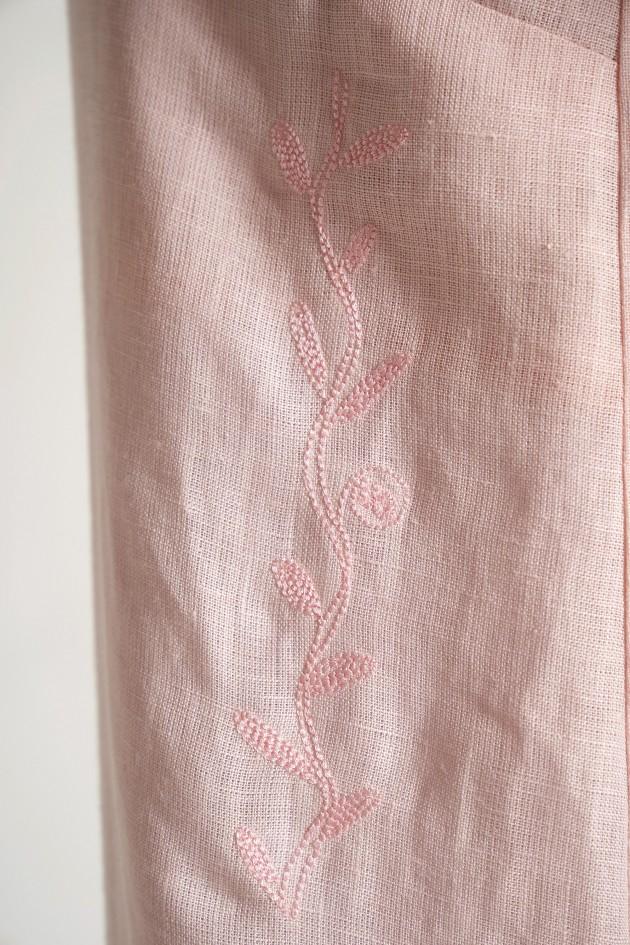 Жіноча вишита сукня на бретелях Pink