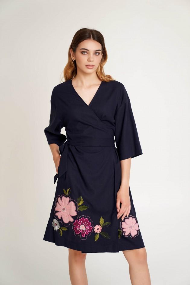 Жіноча сукня на запах з аплікацією темно синя