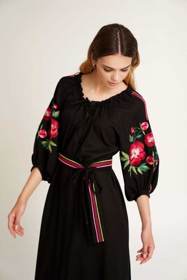 Жіноча вишита сукня Піон
